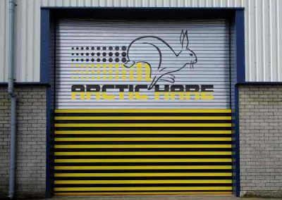 yellow-black-arctic-hare-logo-email-size